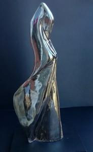 Donna cigno, 2016 ceramica cm 40x12x6