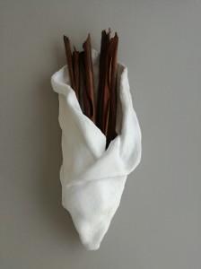 Eucaliptus, 2017 gesso, stoffa, cortecce di eucalipto cm 60x23x13
